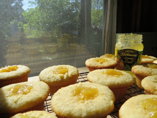 lemony sunshiny filling!